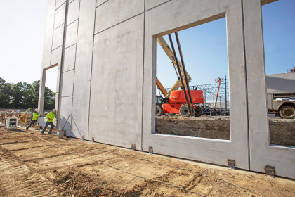 Insulated Sandwich Walls Accelerate Logistics Park Expansion