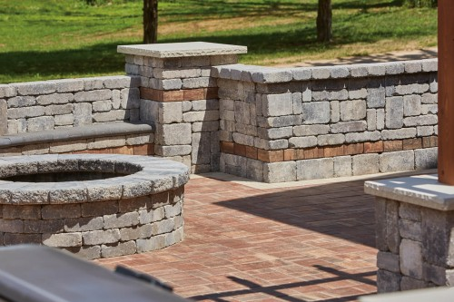 Multiple Hardscape Products and Collaboration Result in One-of-a-kind Application