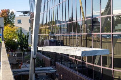 Hollowcore Plank Overcomes Scheduling and Staging Obstacles