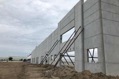 Insulated Sandwich Walls Offer Flexible and Efficient Material of Choice for Warehouse Expansion Project