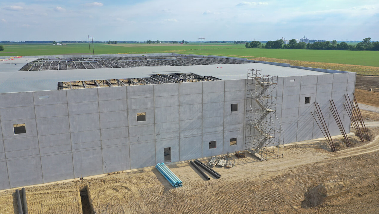 Auto Parts Manufacturer Relies on the Structural Advantages of Insulated Sandwich Wall Panels