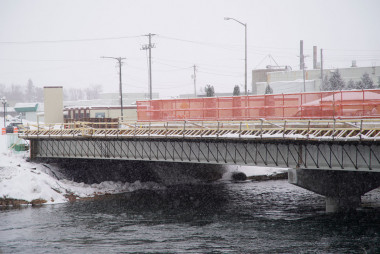 County Materials Keeps Bridge Project on Track Through Winter Weather