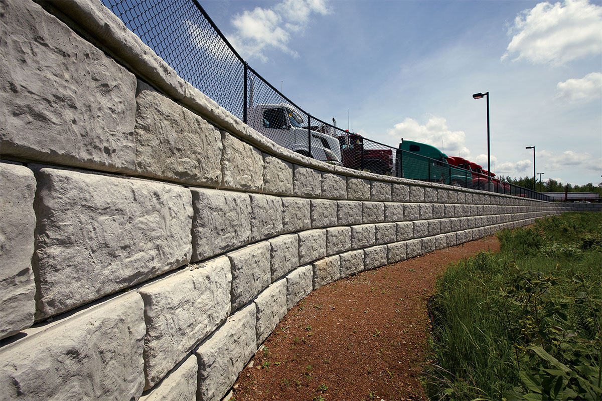 Large-scale Engineered Walls withstand Extreme Conditions with Rib Rock™ Landscape Block
