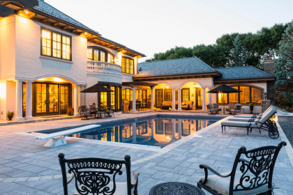 Breathtaking Pool Deck Utilizes Grand Discover™ Pavers and Elements™ Paving Stones to Create a Lasting Statement