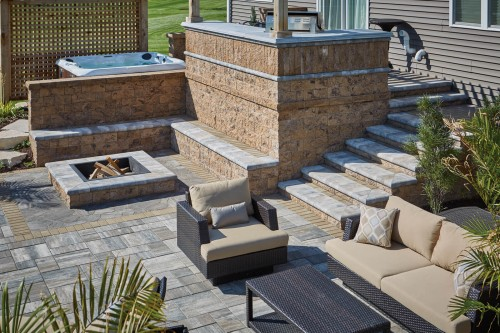 Combination of Hardscape Products Offers Unique Design