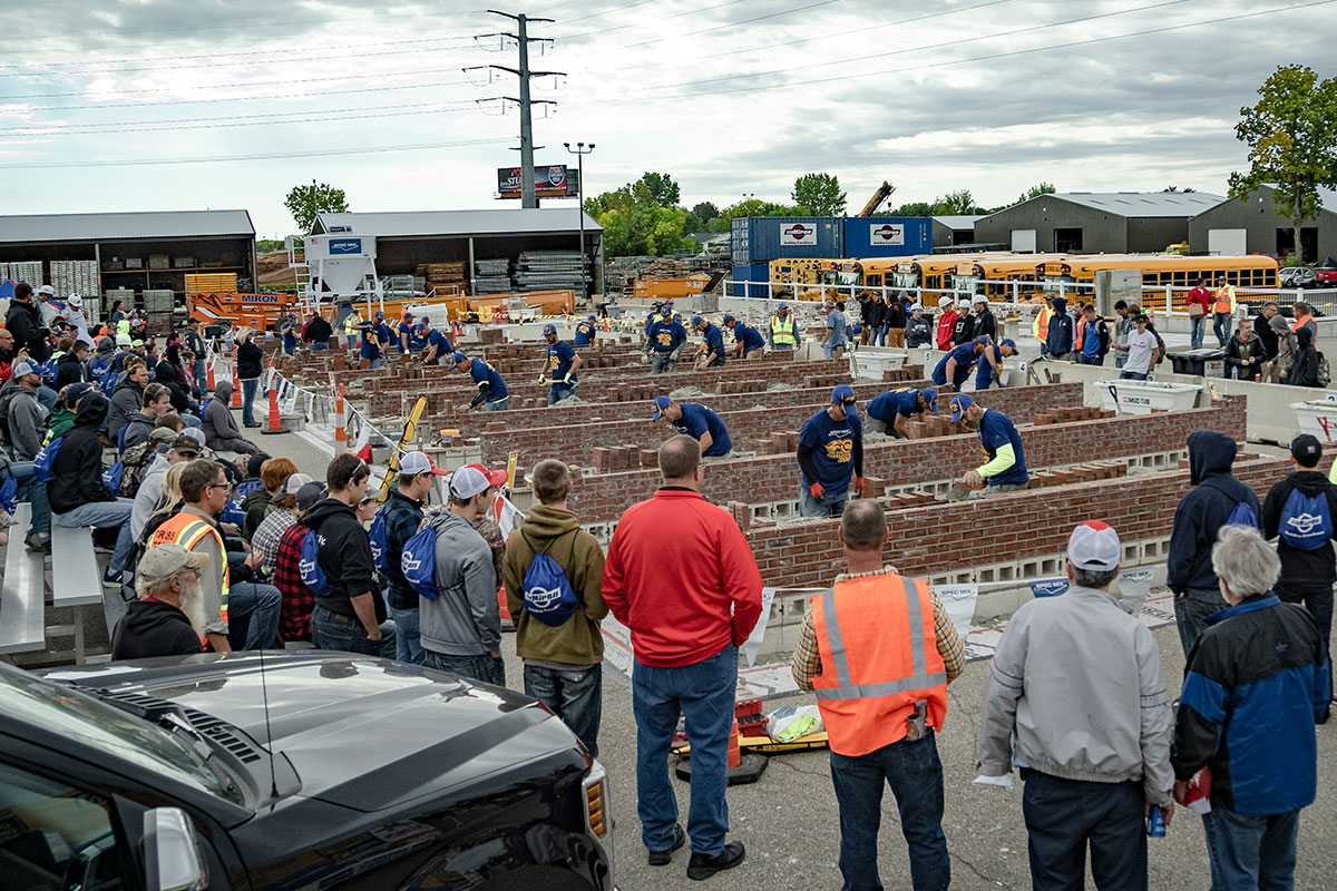 County Materials Sponsors Student Field Trip to the 15th Annual SPEC MIX BRICKLAYER 500® Competition