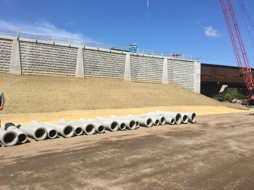 I-35W Minnesota River Bridge Reconstruction Project Uses Massive Quantities of Concrete Pipe and Precast Structures for Drainage and Water Management