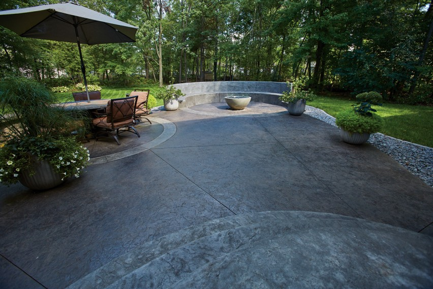 Ready-mix Concrete from County Materials Fulfills Form and Function and Revitalizes Backyard