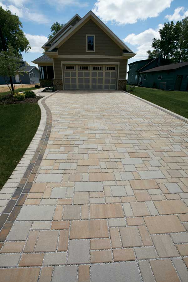 County Materials Congratulates Stumpf Creative Landscaping for National Hardscape Award Recognition