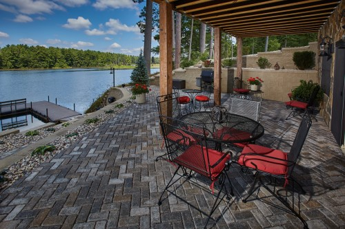 Water Quality Preserved on Lakeside Residence with H2O Pro® Pavers