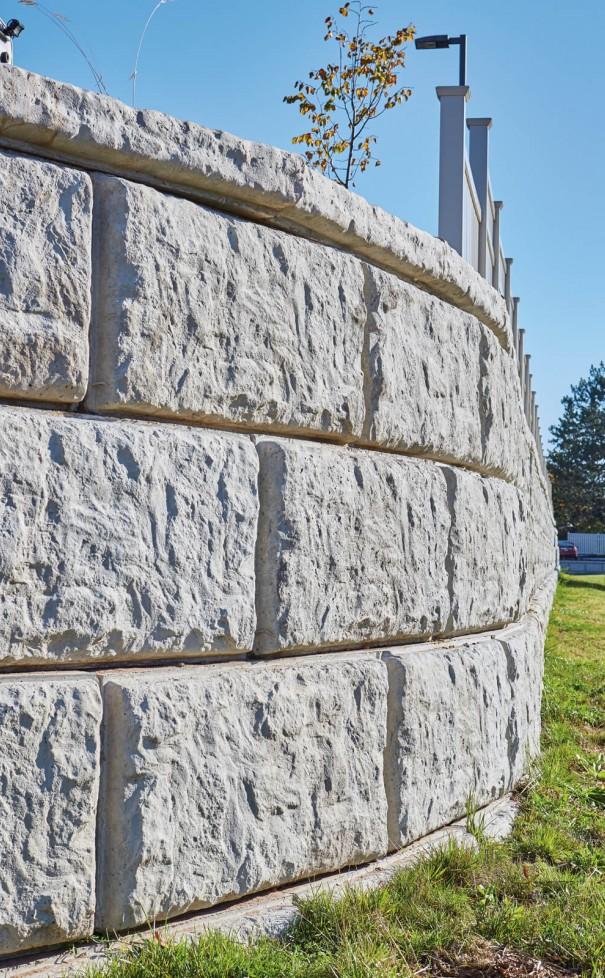 Rib Rock™ Landscape Block