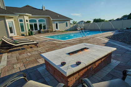 Hardscape North America Gives Honorable Mention to Project Utilizing County Materials Pavers
