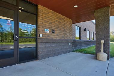Decorative Concrete Masonry Emulates the Aesthetics of Brick and Provides Enhanced Strength