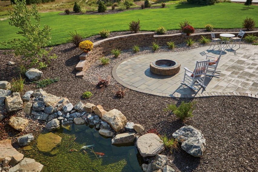Backyard Patio Benefits from County Block™ Retaining Wall System's Versatility