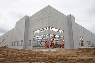 Insulated Sandwich Walls Are a Reliable, Fire-Resistant Solution